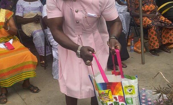 Osebo donates to widows