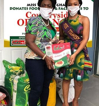 Miss Tourism Ghana Donates to vulnerable to mark Mother's Day
