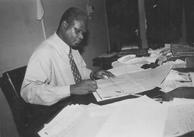 Tribute to Jim Macauley, the 'workerhaulic' journalist