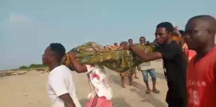 20 children feared dead in Apam River