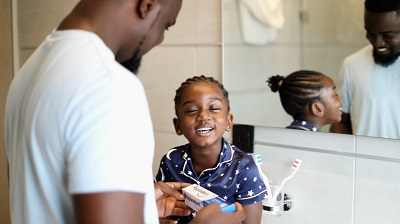 SARKODIE AND HIS DAUGHTER TITI JOIN THE PEPSODENT #BRUSHWITH ME CHALLENGE