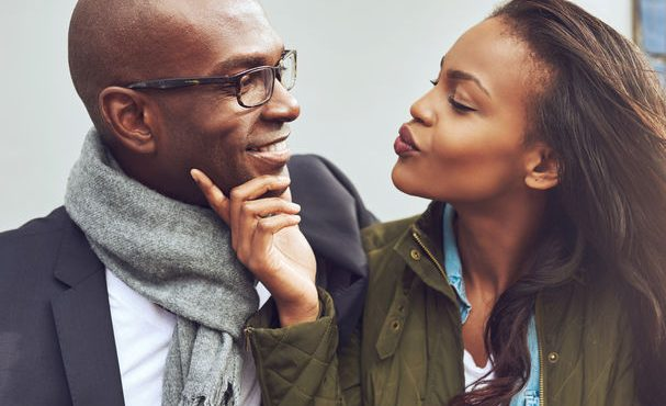 Obvious signs that she likes you more than a friend (II)