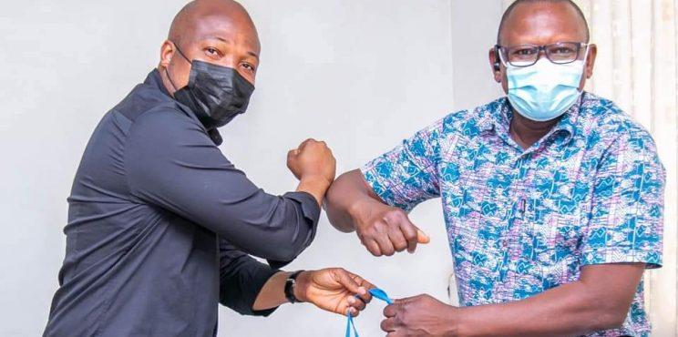 Okudzeto Ablakwa donates collections from his father'sfuneralandmemorialservice to Battor Hospital