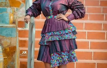 Cookie Tee flaunts different shades of African  print