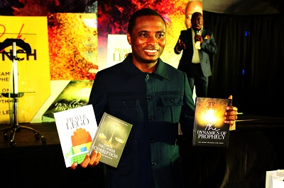 Rev. Shamoson Abbey unveils 3 must-read books
